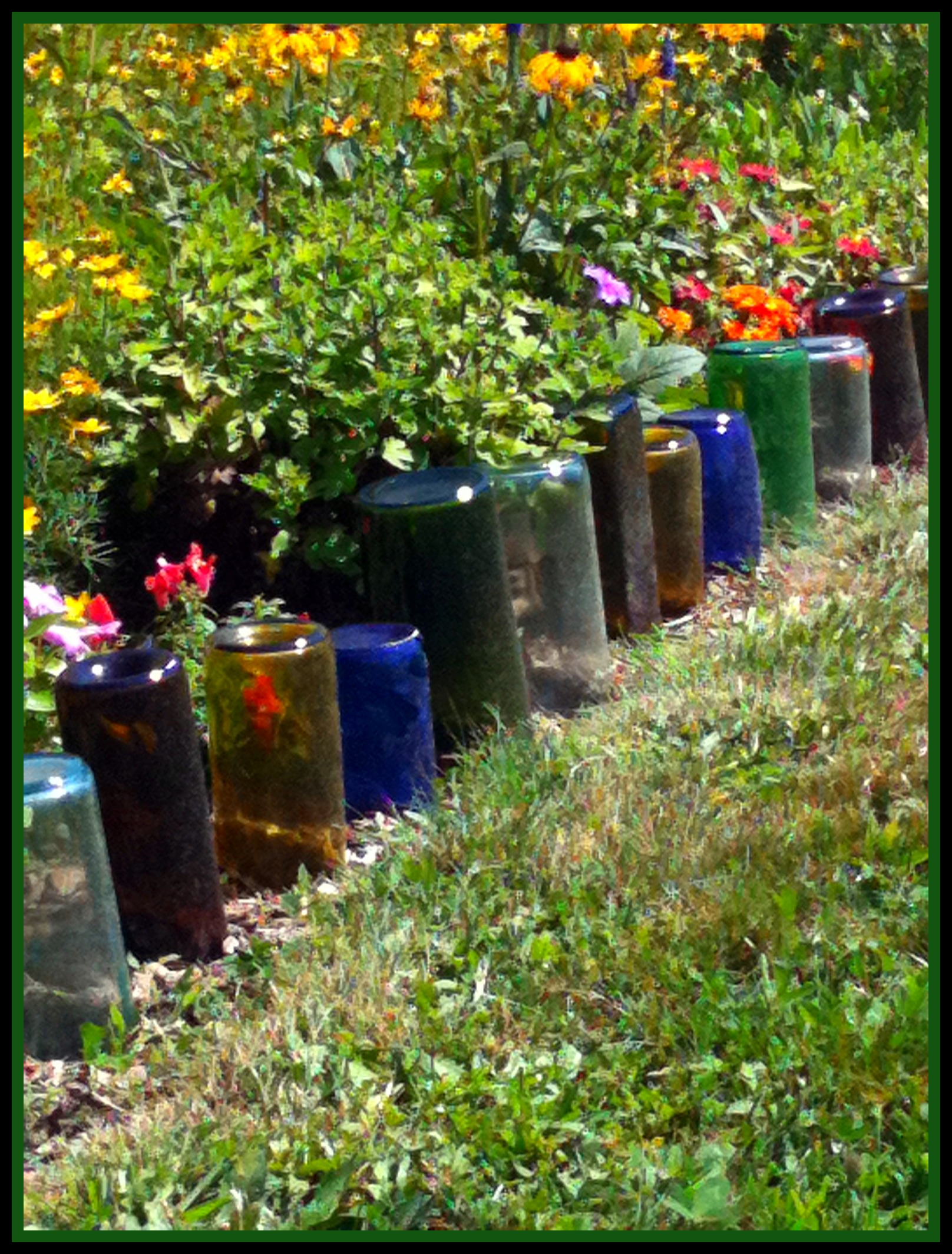 Upcycle glass bottles into a garden border natural green mom - Upcycling garten ...