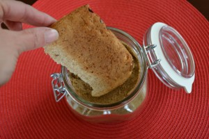 Bread End Keeps Brown Sugar From Hardening