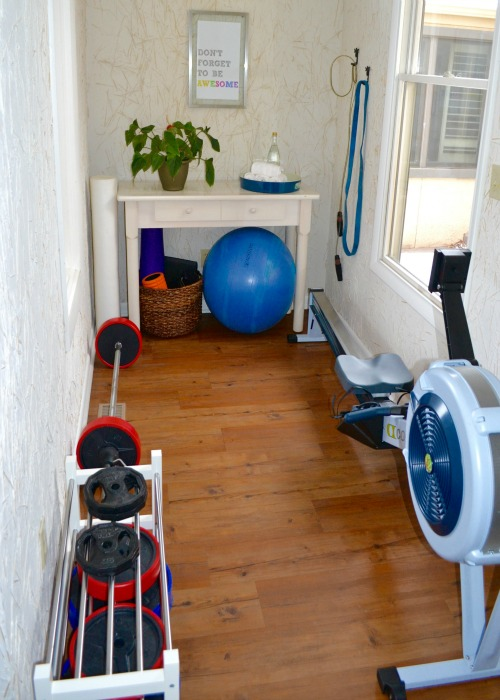 Small space exercise room ideas natural green mom for Small exercise room