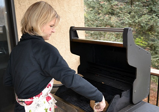 Andrea The Natural Green Mom grilling