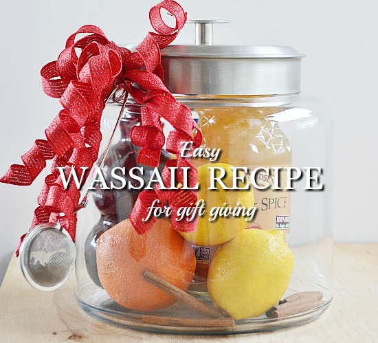 Need a last minute gift? Anyone on your list would love to get an easy wassail recipe packaged up in a jar.