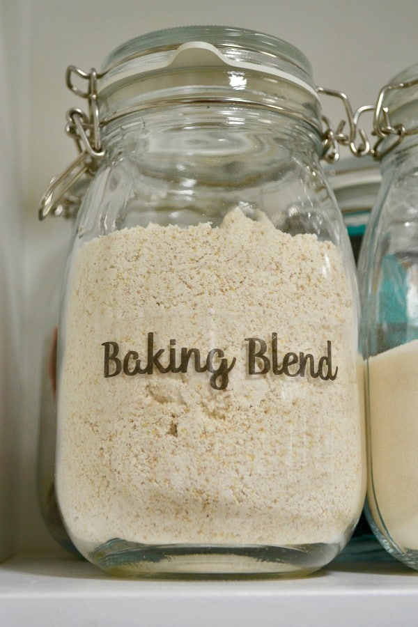 Jar of baking blend with DIY clear pantry label that reads Baking Blend.
